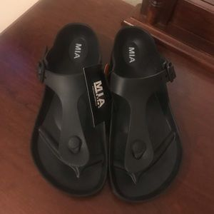 NWT! MIA sandals.